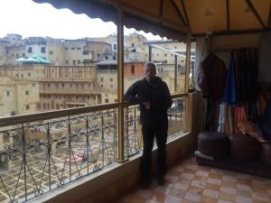 Visitando la medina de Fez, donde se tintan las pieles