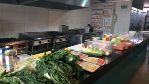 La Cocina Taller. Imagen de la cocina con los ingredientes listos,