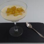 Mousse de piña con manzana caramelizada