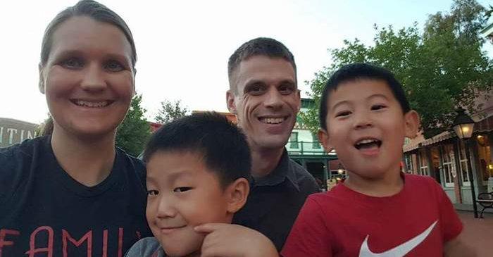 Una mujer con PKU adopta a 4 niños con PKU!!!: Empecemos la semana con una buena noticia